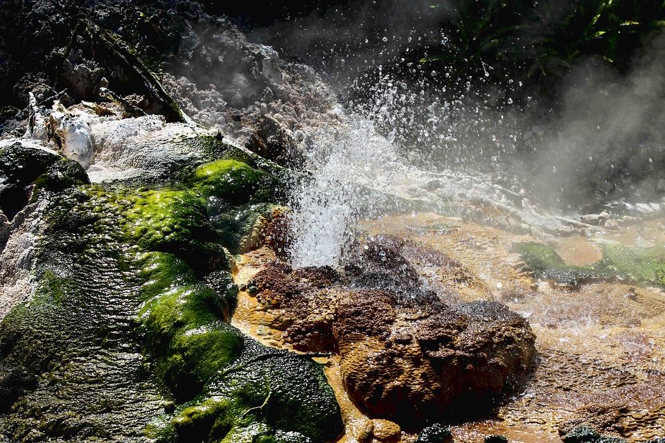 Fiumi carsici e grotte pontine - Acque sulfuree