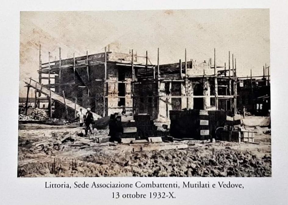 La casa del combattente - Casa Del Combattente In Costruzione nel 1932