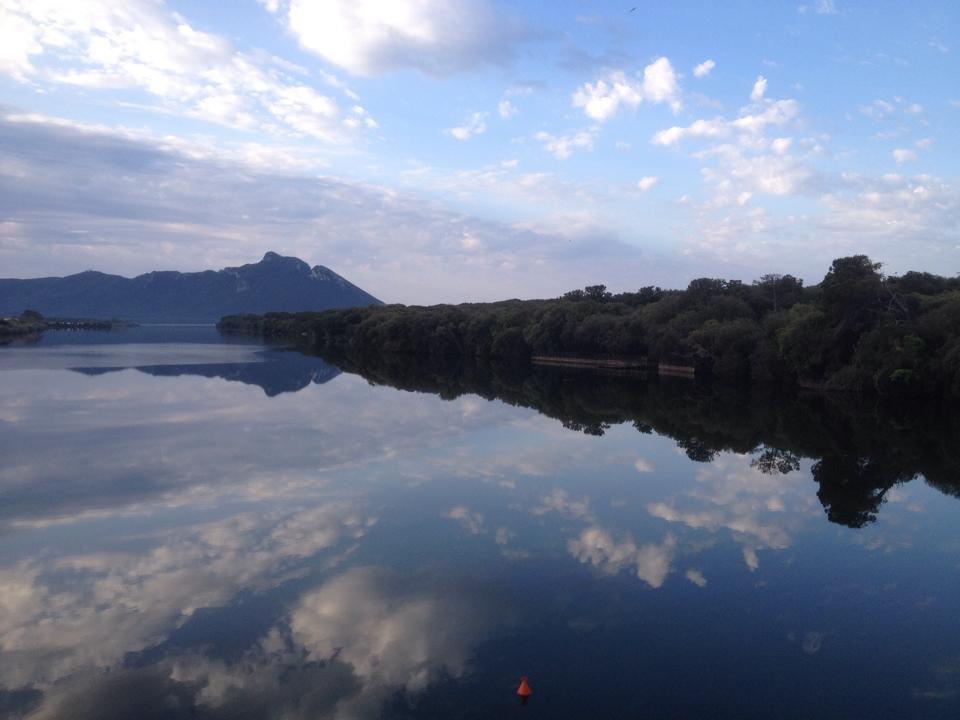 il Lago di Paola - Lago A Mezzo Giorno con acque salmastre