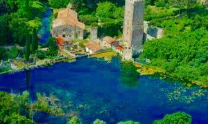 sorgenti pontine da scoprire - Torre che spicca sul lago