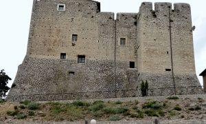 patto per il centro storico - Castello Di Maenza visto dal basso