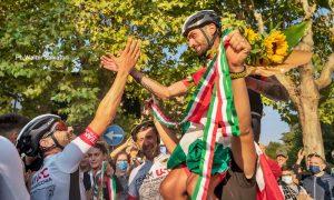 Cristian Nardecchia Campione del mondo - Nardecchia portato in trionfo