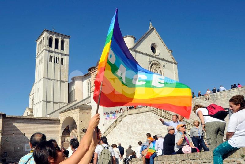 Marcia per la Pace Perugia-Assisi - Assisi ele bandiere