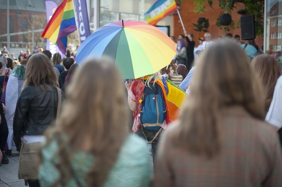 Marcia per la Pace Perugia-Assisi - Ombrello Arcobaleno in una manifestazione