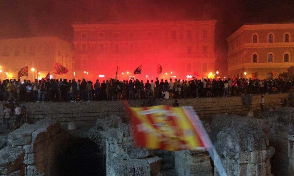 Festeggiamenti Dei Tifosi Del Lecce per le strade della città