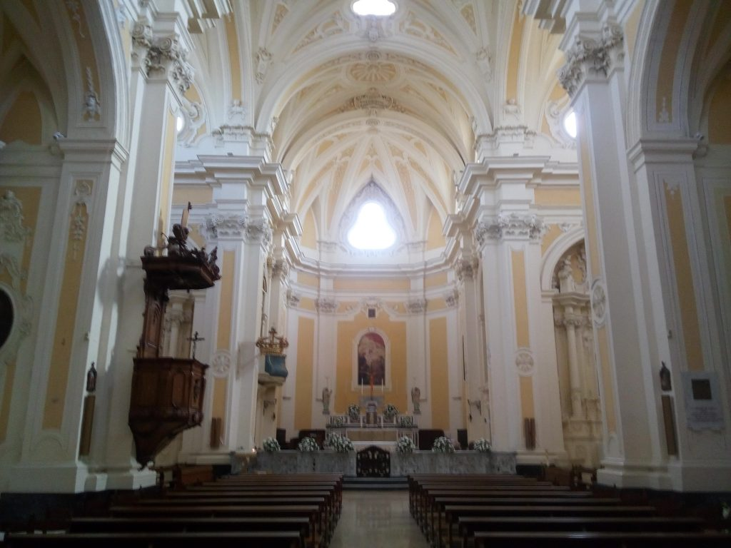 Interni di chiese a Tricase