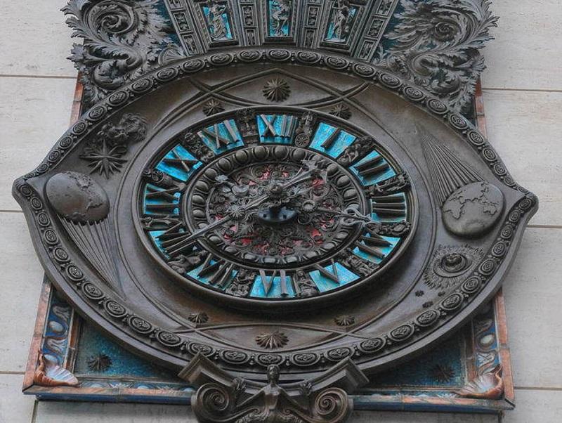 Piazza Sant'oronzo - Orologio della piazza