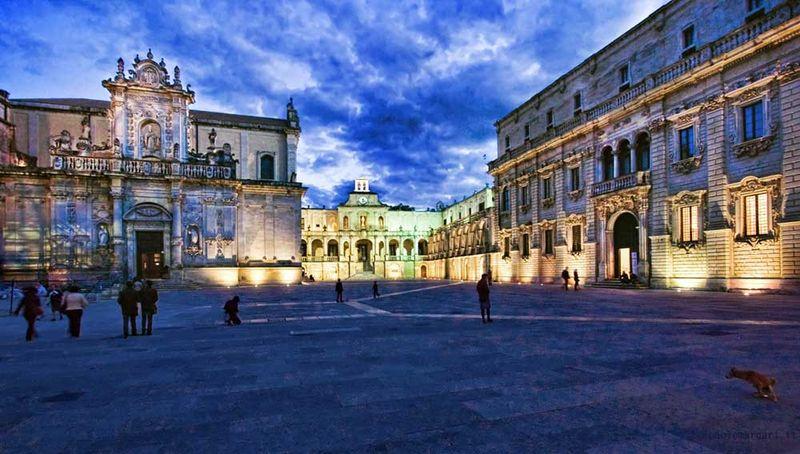 Centro Di Lecce - una foto della piazza principale
