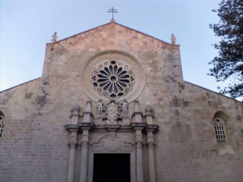 Mosaico Di Otranto - facciata esterna della cattedrale