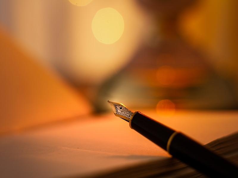 Griko Salentino - una penna intenta a scrivere