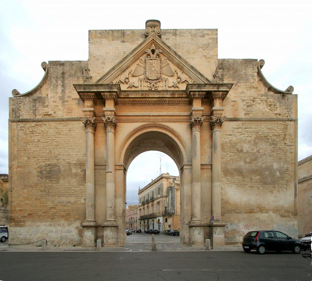 Porta Napoli Lecce: storia di un monumento simbolo del luogo