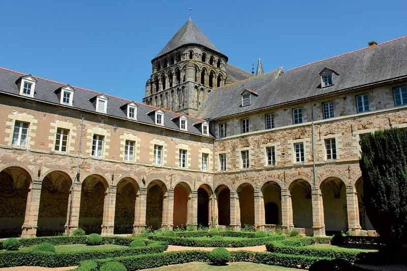 L'abbazia dove studiò il filosofo Vanini