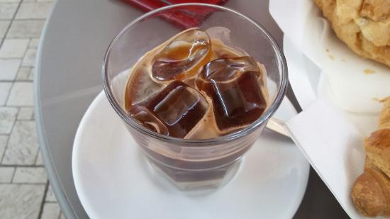 Caffè in ghiaccio a lecce - del caffè con ghiaccio