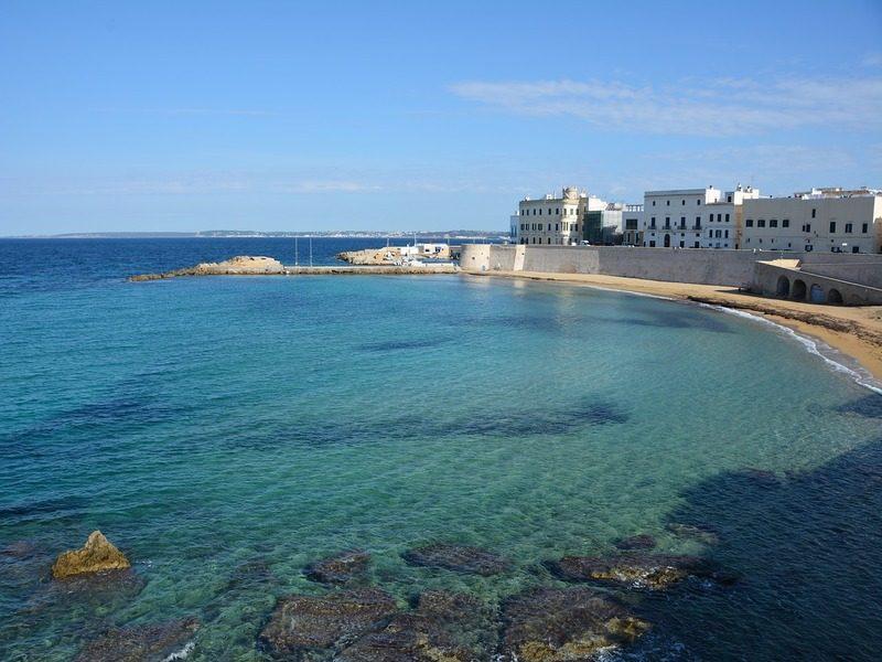 gallipoli primavera - spiaggia con mare