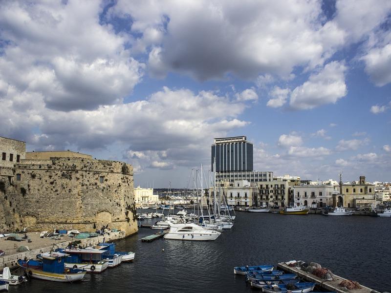 gallipoli primavera - immagine del porto di Gallipoli
