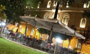 Vita notturna a Lecce: Piazzetta Santa Chiara