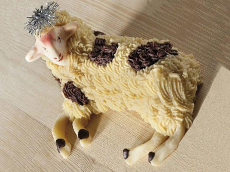 Agnello Di Pasta Di Mandorla