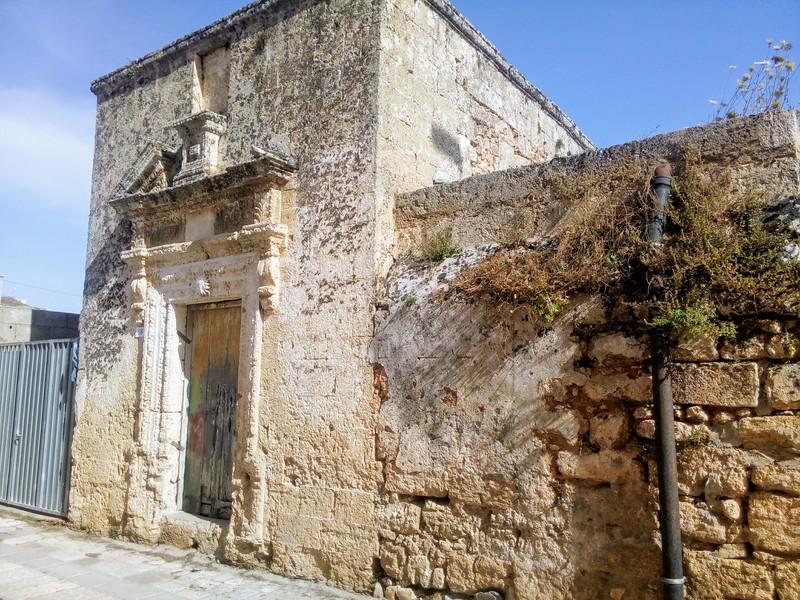 Cappelletta antica nei vicoli di Giuliano di Lecce