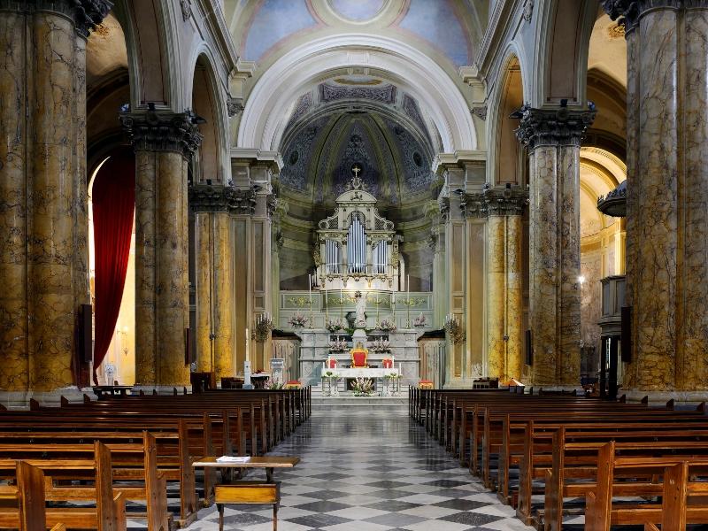 Chiesa Di Galatina Ss Pietro E Paolo - navate e altari