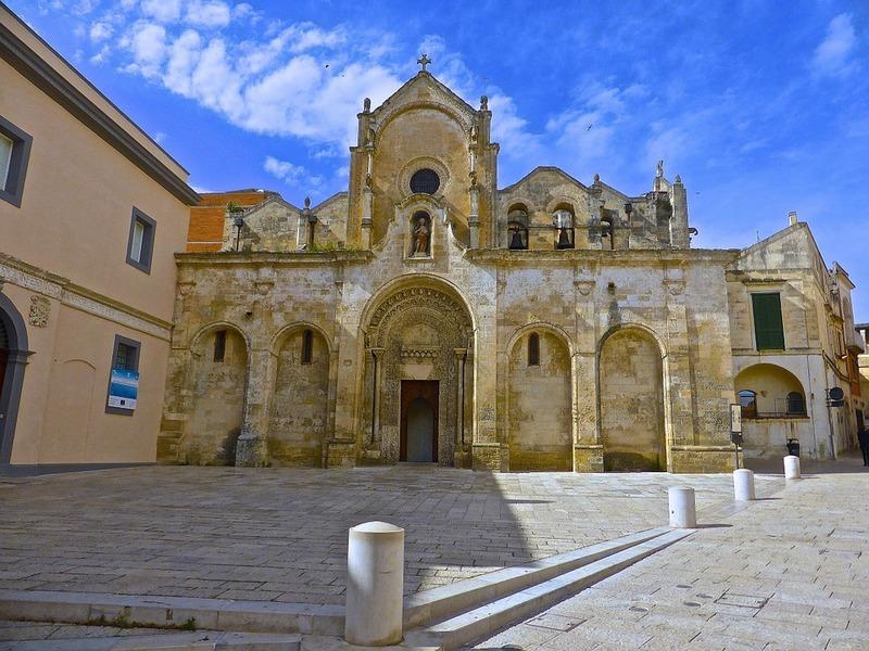 Scorcio di una piazza di Lecce