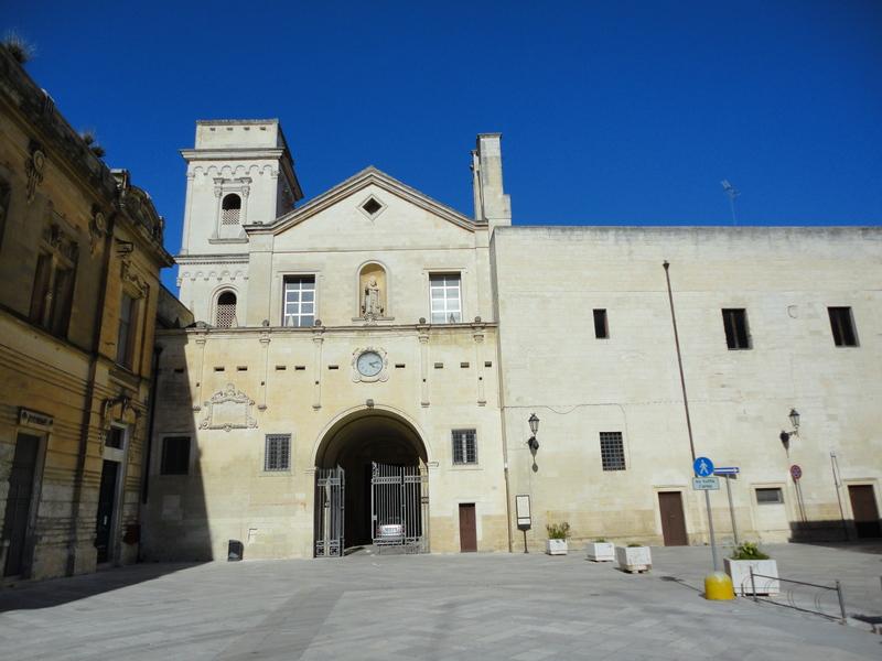 Lecce Chiesa San Giovanni Evangelista Pesce Pasta Di Mandorla Suore di clausura