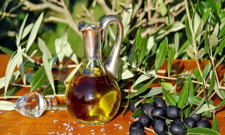 Olio e olive nere pugliesi