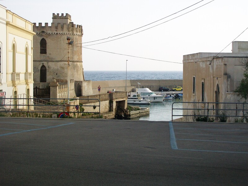 Torre Vado Affacciata Sul Porticciolo omonimo