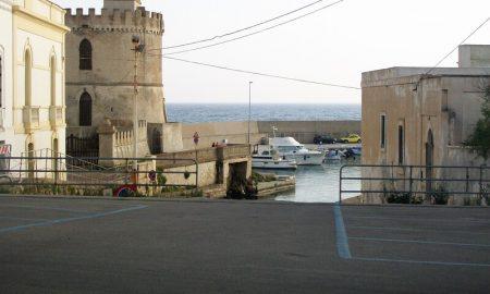 Torre Affacciata Sul Porticciolo