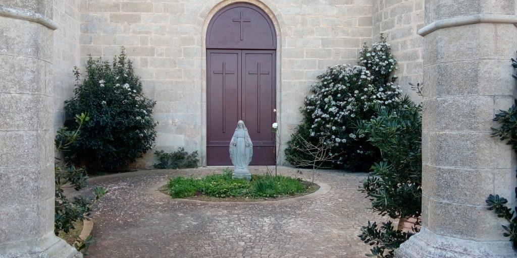 Ingresso Laterale Alla Chiesa Di Santelia A Ruggiano