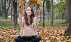 Donna In Autunno