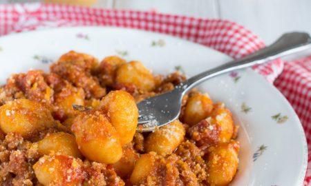 Gnocchi di patate con ragù