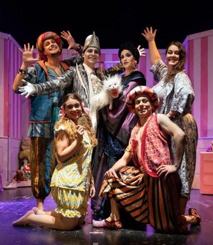 Foto del gruppo in scena con Il Magico Zecchino d'Oro