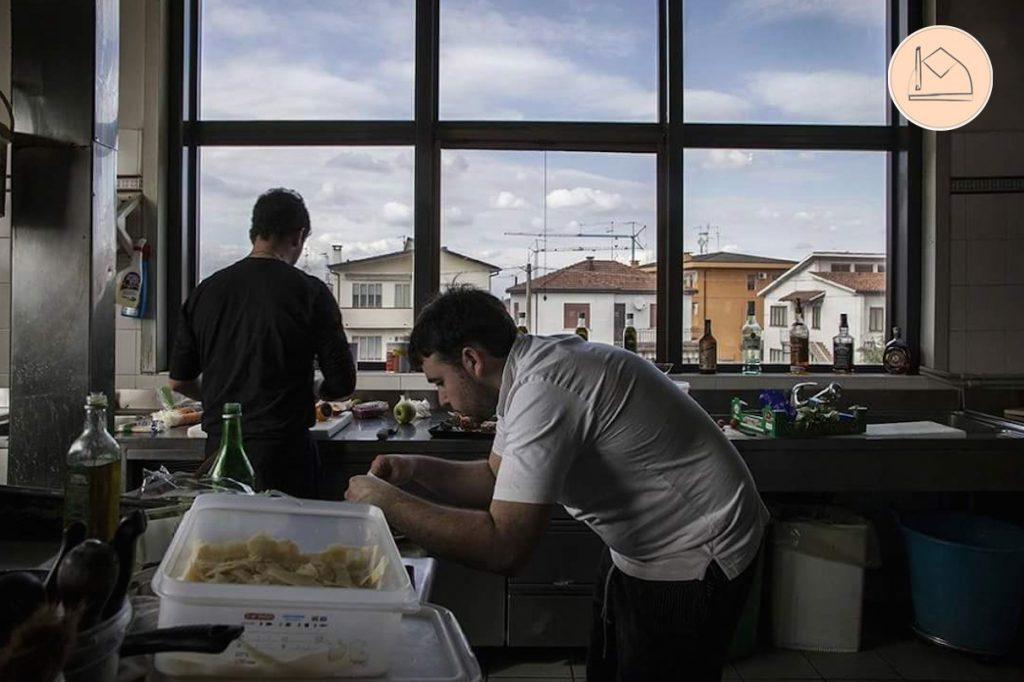 Lo Chef Alessandro all'opera