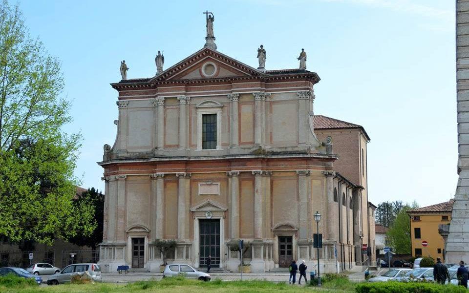 Duomo Di Santa Sofia Ph Festa Del Radicchio Rosso Di Treviso