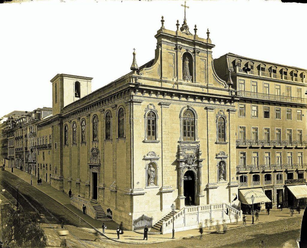 5c1a37bb6e514 5c1a37bb6e517igreja Do Loreto, Fachadas Principal E Lateral 1895.jpg