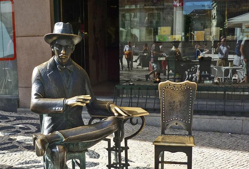 Fernando Pessoa - Statua di Pessoa