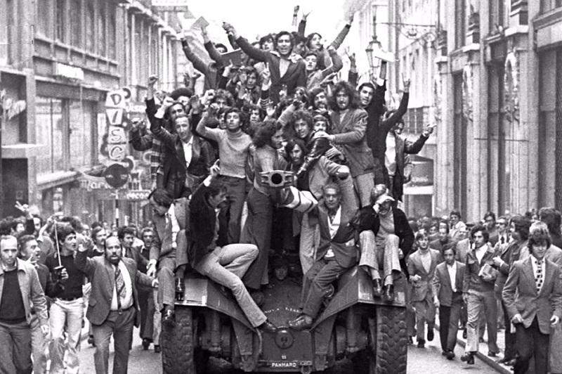 Rivoluzione dei Garofani - Liberazione