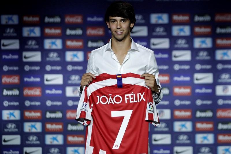 João Félix con la nuova maglia dell'Atletico Madrid