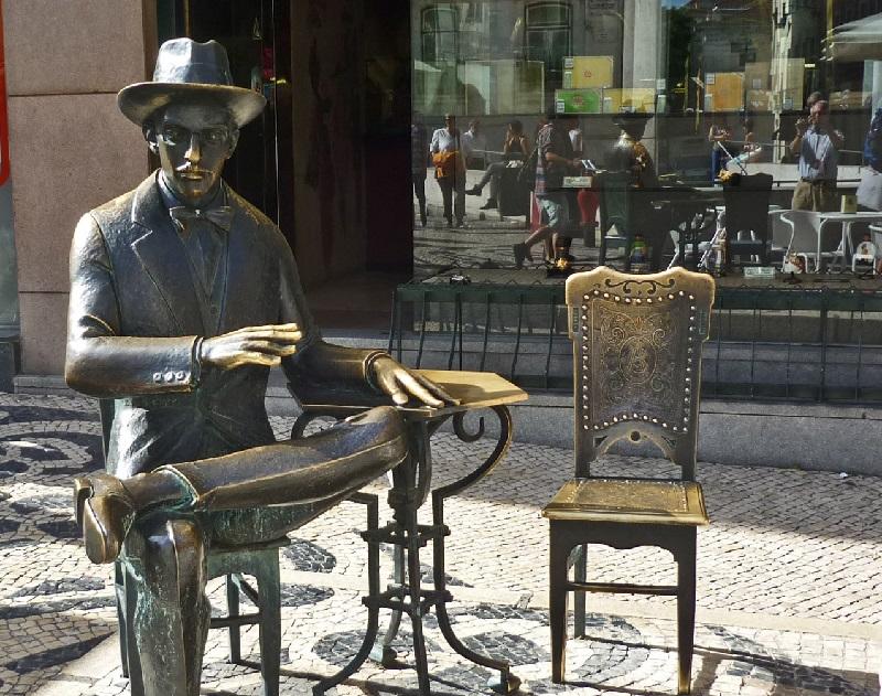 Statua Pessoa Chiado