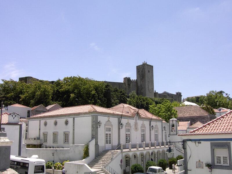 Rotta dei vini: Il Castello e il Palazzo del Municipio di Palmel