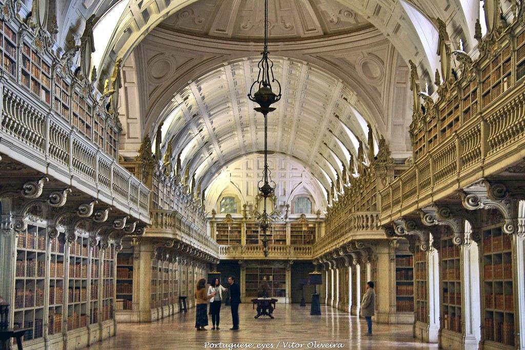 Biblioteca Interna Al Pallazzo Di Mafra