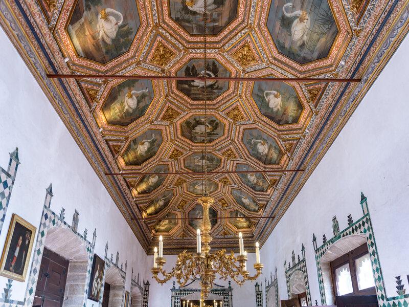 Sala dei Cigni, uno degli ambienti più famosi del Palazzo Nazionale di Sintra