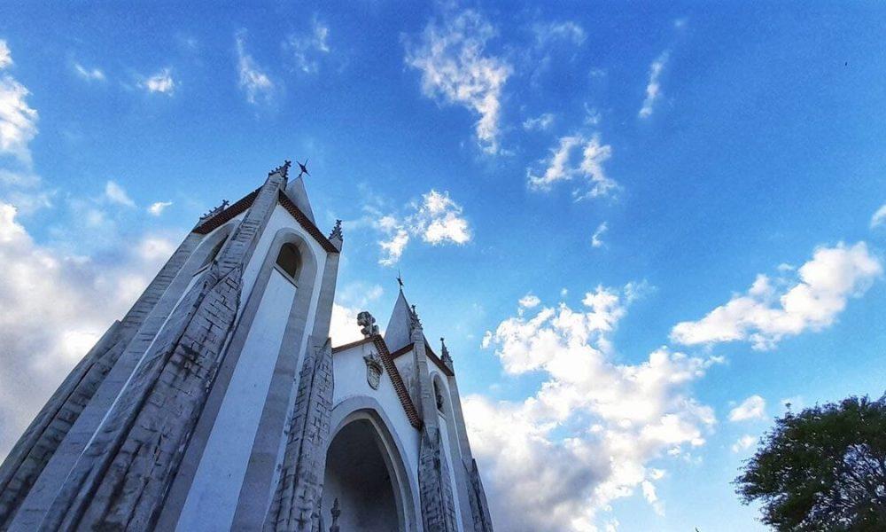 Il profilo inconfondibile della Chiesa di Santo Condestavel