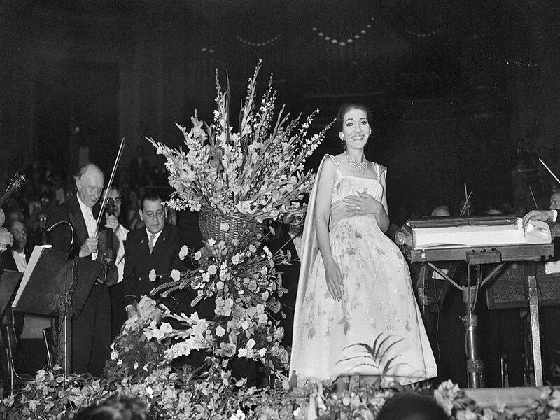 60df619263c32 60df619263c34concert Van Maria Callas In Het Concertgebouw Te Amsterdam Maria Callas Bedankt Bestanddeelnr.jpg