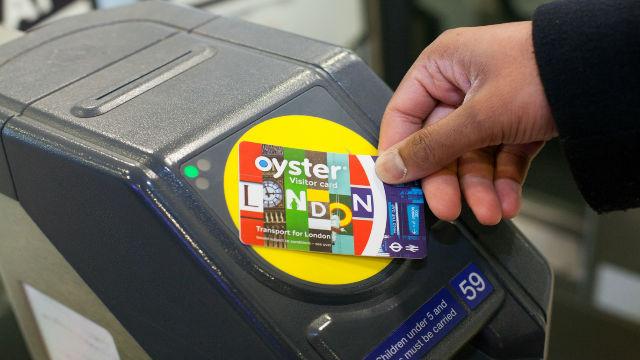 visitor oyster card per girare Londra