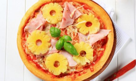 cucina italiana pizza all'ananas