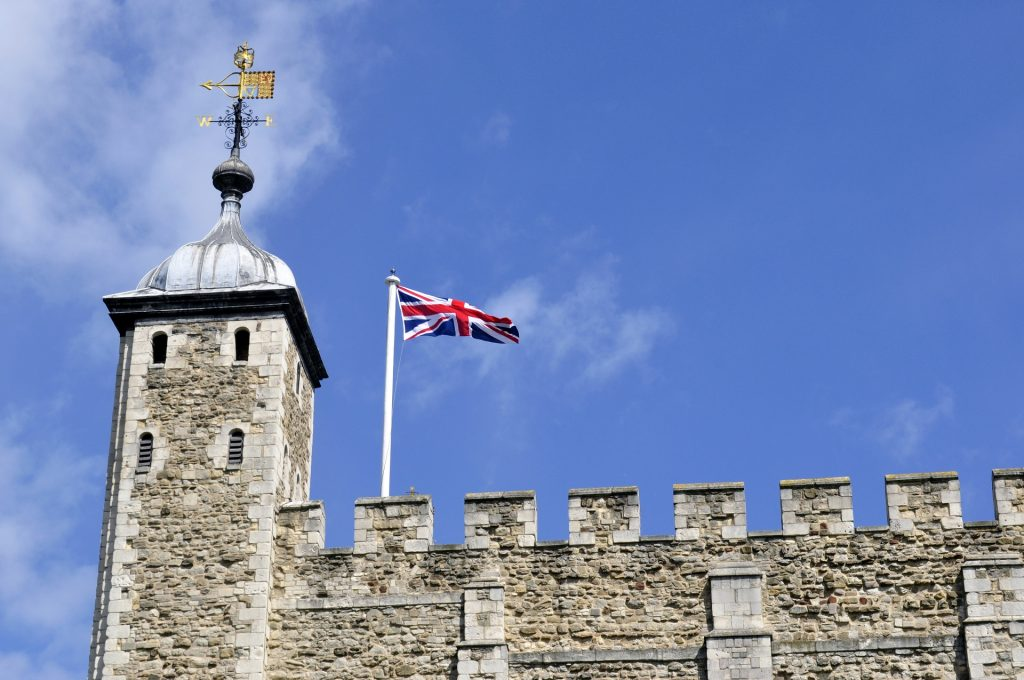 bandiera inglese - Bandiera del Regno Unito sulla Tower of London