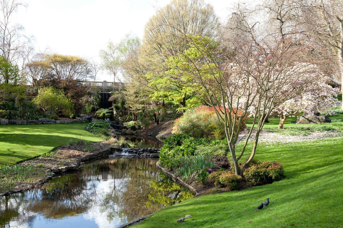 Scorcio suggestivo dell'Hyde Park, luogo splendido che ospita il Marble Arch