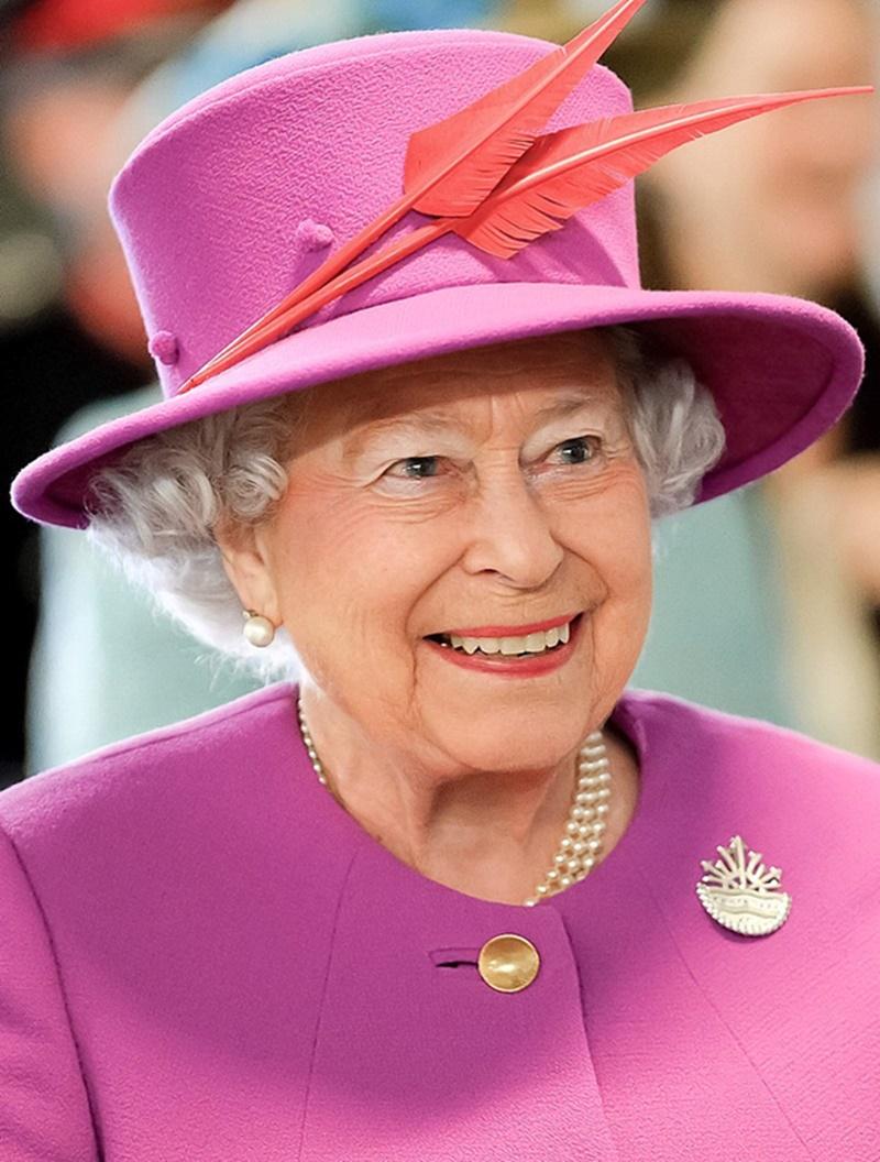 Elisabetta II- fuxia