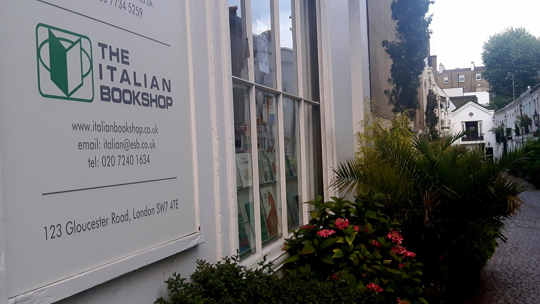 Libreria di Londra - insegna della libreria The Italian Bookshop